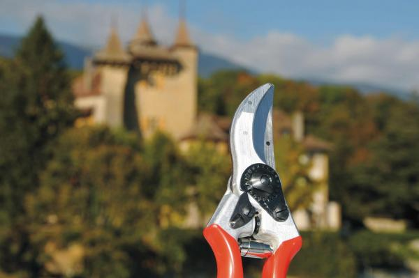 Kassensturz, a Swiss German TV programme aimed at consumers: FELCO 2 pruning shears on test!