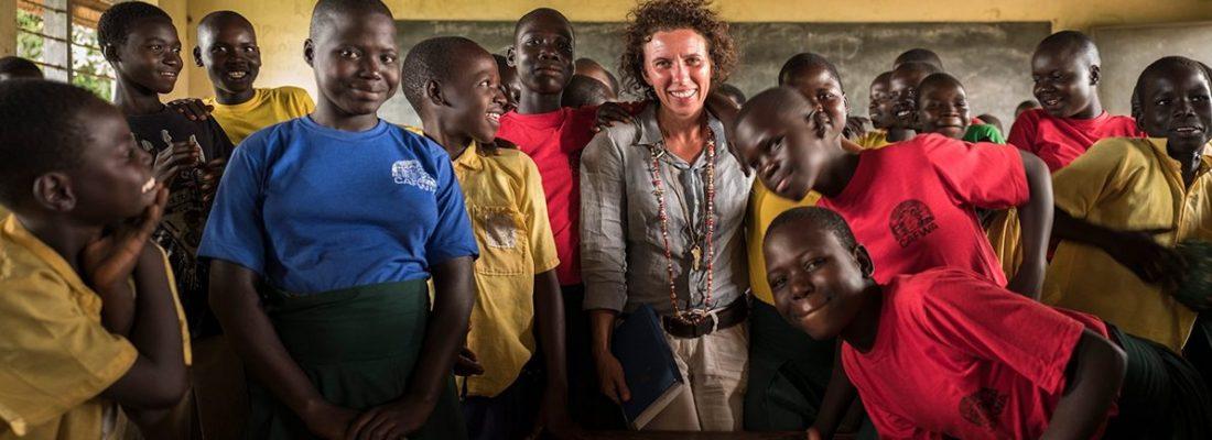 Linda_in_classroom_w_kids_BMH